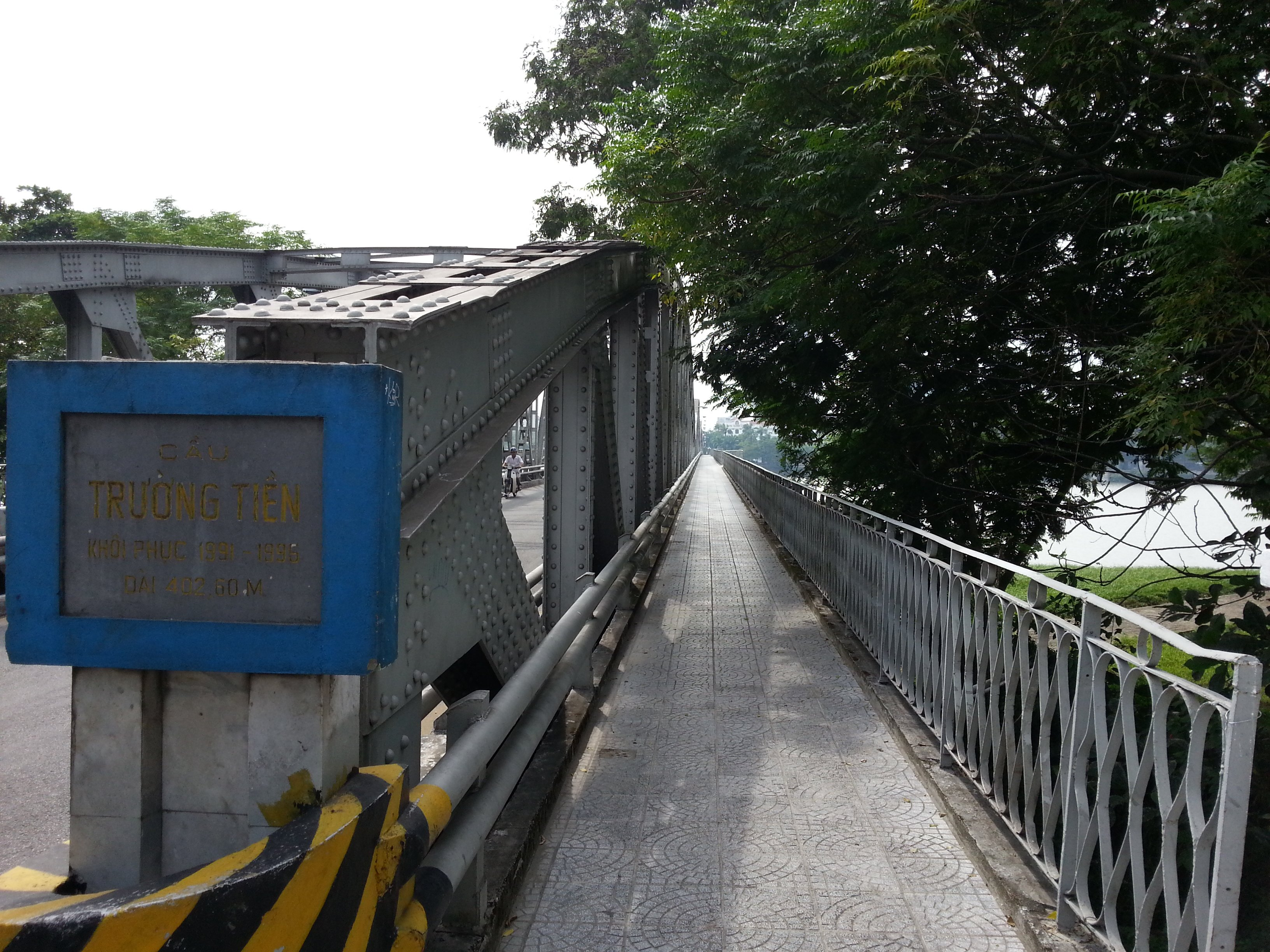 Pedestrian walkway on Truong Tien Bridge