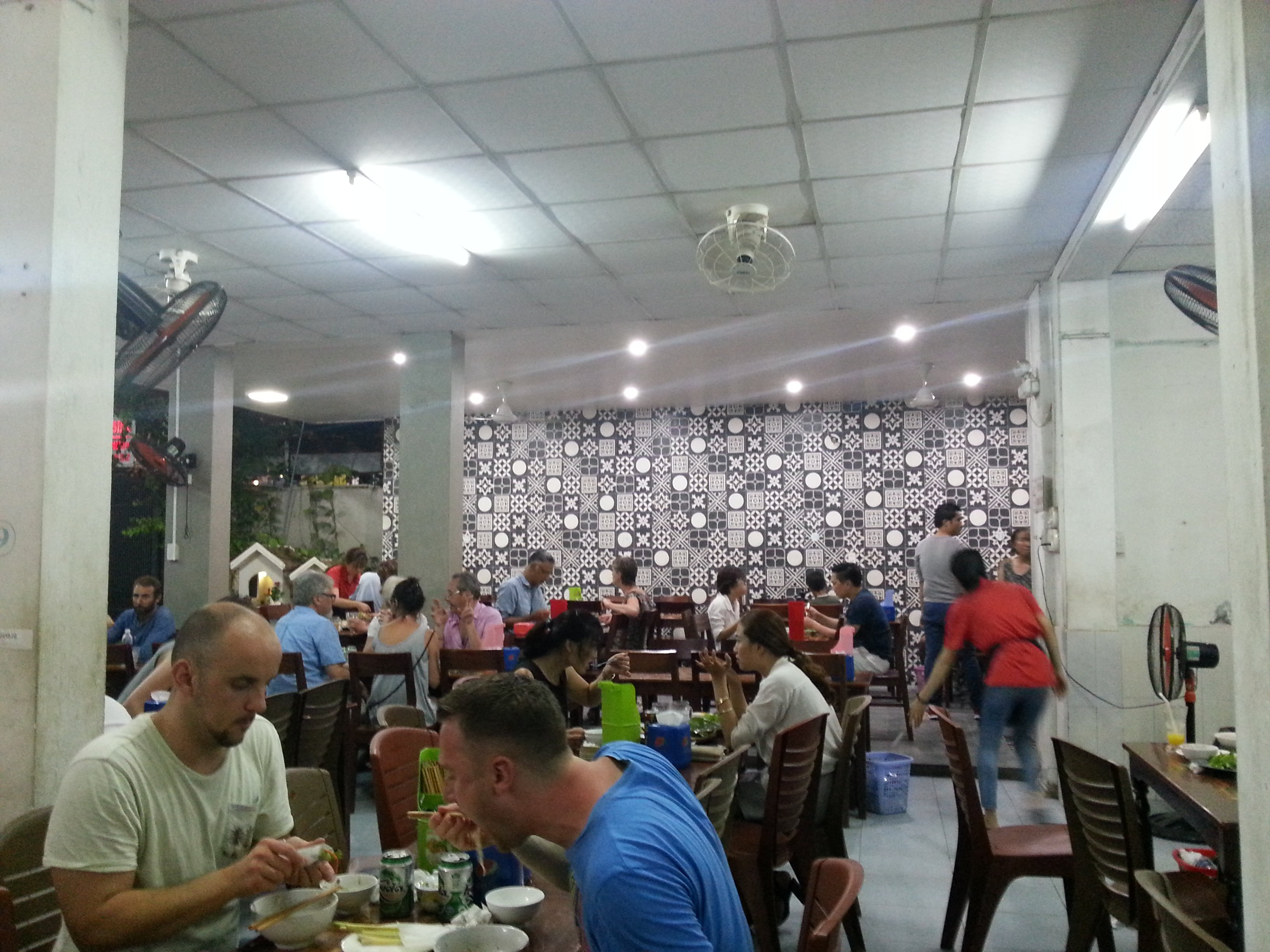 Quan Hanh attracts a mixed crowd of local and foreign diners