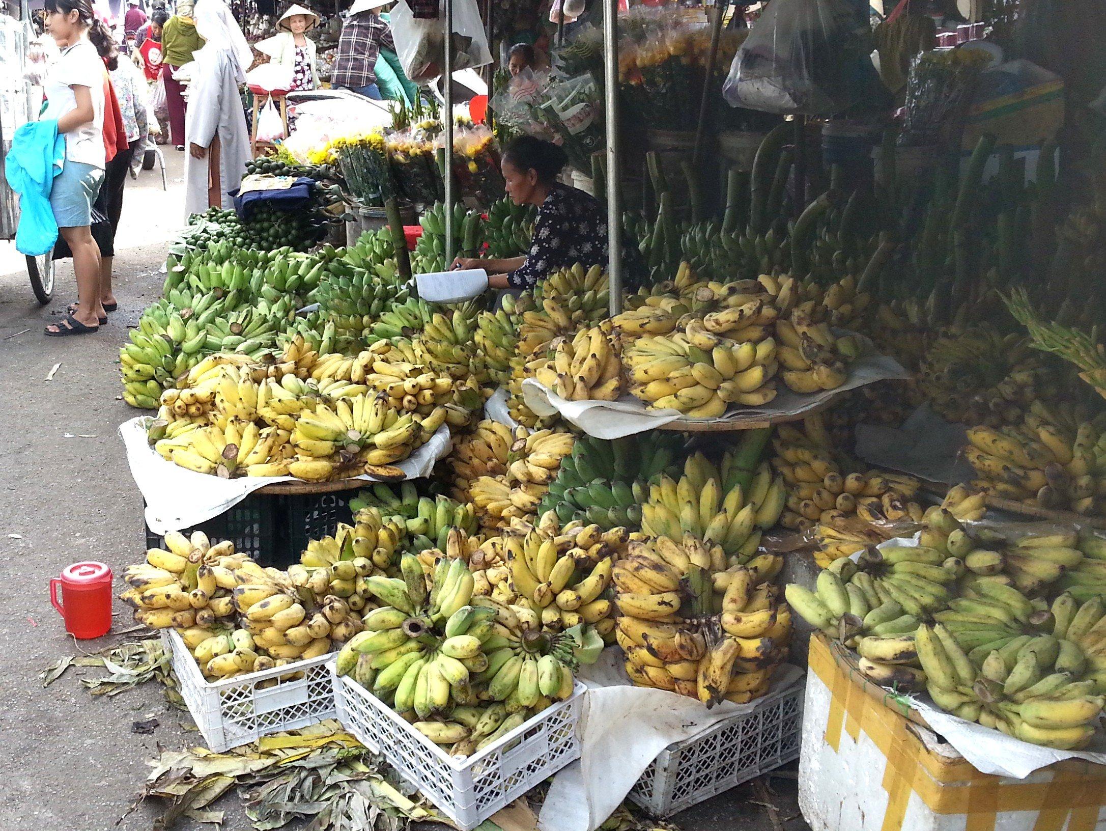 Banana seller at Dong Ba Market